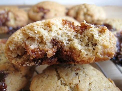 Cookies au beurre de cacahuètes et carambars