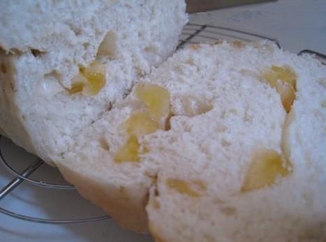 Brioche vanillée au fromage blanc et aux pommes séchées