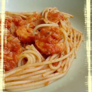 Spaghettis aux crevettes et au curry