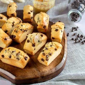 Mini cakes au beurre de cacahuètes et pépites de chocolat